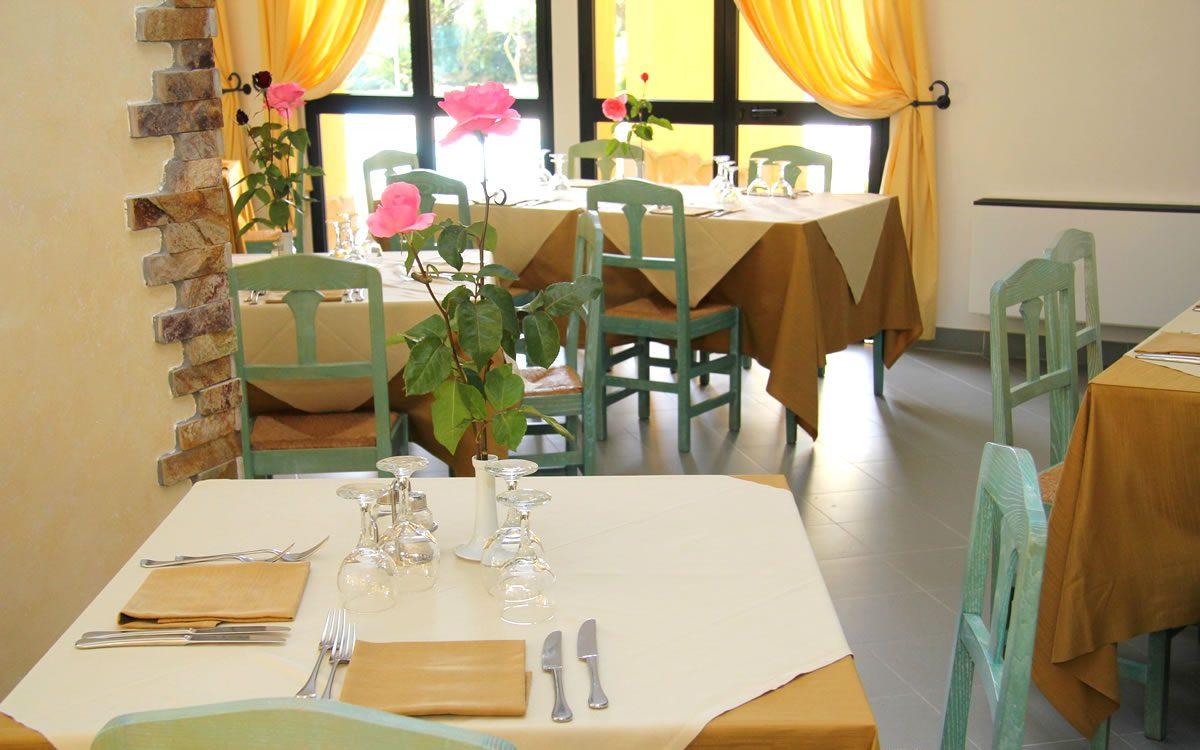 services Hotel Cala Dei Pini